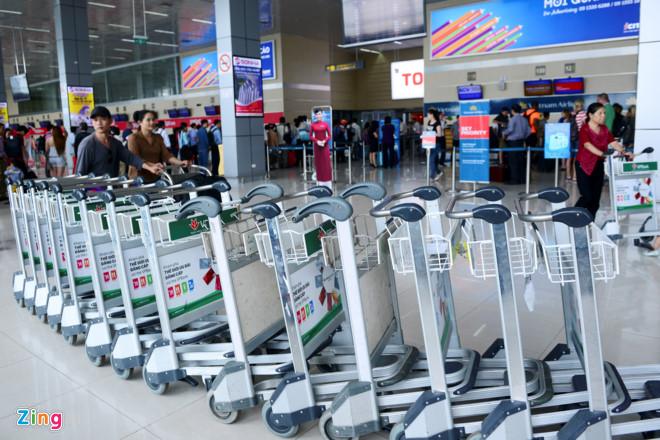 Dịch vụ Xe Đẩy miễn phí trong Sân Bay Nội Bài